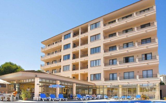 Отель Apartaments La Perla Negra вид на фасад