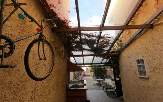 Отель Studios Arabas Греция, Салоники - отзывы, цены и фото номеров - забронировать отель Studios Arabas онлайн вид на фасад