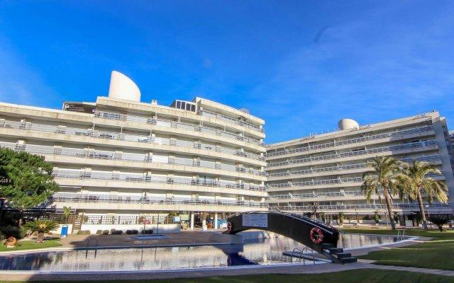Отель Apartamentos S'Abanell Central Park Испания, Бланес - отзывы, цены и фото номеров - забронировать отель Apartamentos S'Abanell Central Park онлайн вид на фасад