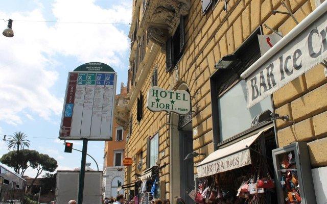 Отель Fiori Италия, Рим - 7 отзывов об отеле, цены и фото номеров - забронировать отель Fiori онлайн вид на фасад