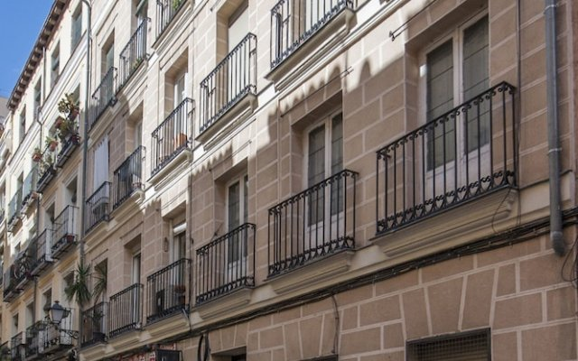 Отель Apartamento Atocha VII Мадрид вид на фасад