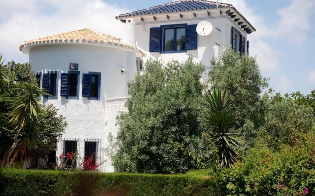 Отель Villa With 4 Bedrooms in Orihuela Costa, With Wonderful sea View, Priv вид на фасад
