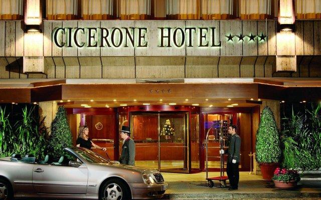 Отель Cicerone вид на фасад
