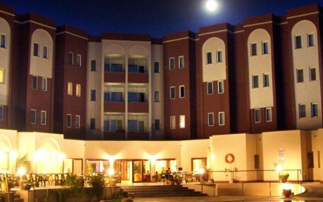 Avrasya Hotel вид на фасад