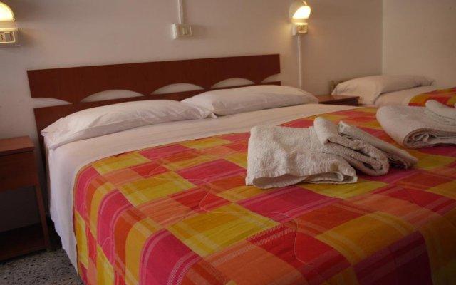 Hotel Hollywood Риччоне комната для гостей