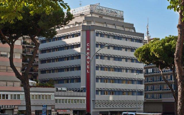 Hotel Caravel Рим вид на фасад