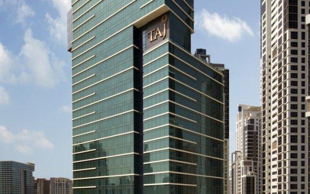 Отель Taj Dubai вид на фасад