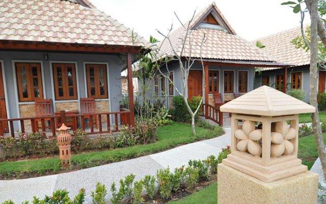 chalong villa resort  spa