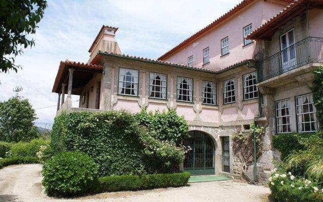 Отель Casa dos Assentos de Quintiaes вид на фасад
