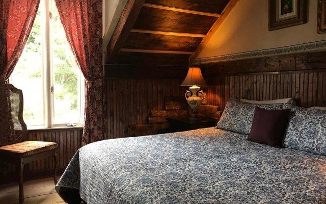 Отель Auberge Restaurant La Mara Канада, Ам-Нор - отзывы, цены и фото номеров - забронировать отель Auberge Restaurant La Mara онлайн комната для гостей