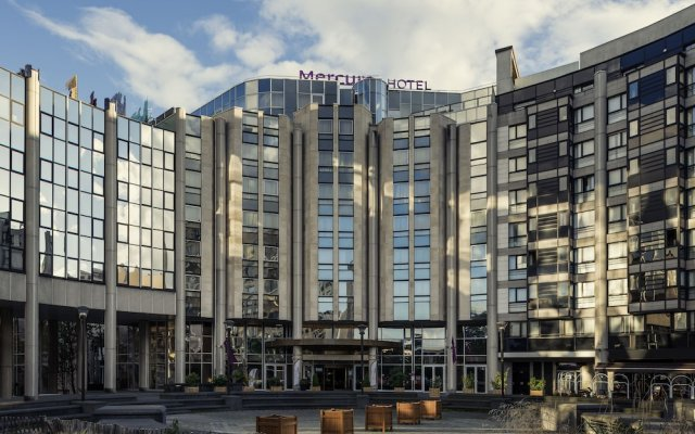 Отель Mercure Paris Boulogne Булонь-Бийанкур вид на фасад