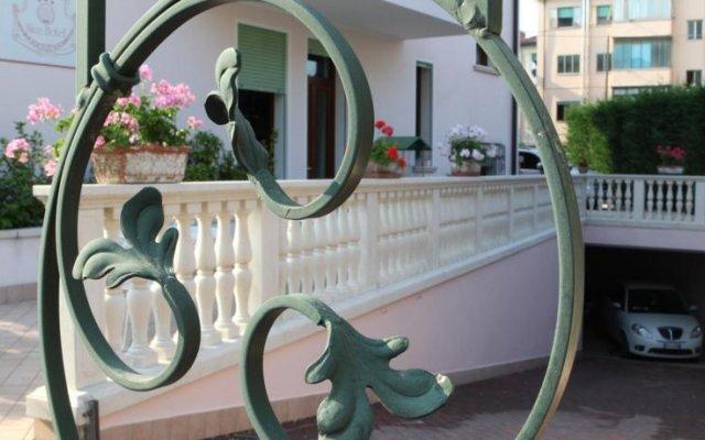 Отель Nice Hotel Италия, Маргера - отзывы, цены и фото номеров - забронировать отель Nice Hotel онлайн вид на фасад
