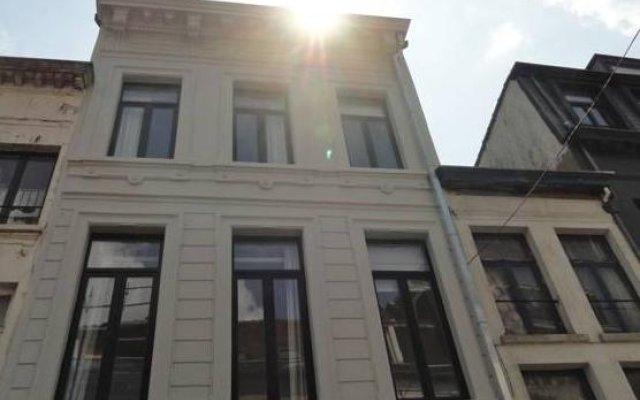 Отель B&B Rosier 10 Бельгия, Антверпен - отзывы, цены и фото номеров - забронировать отель B&B Rosier 10 онлайн вид на фасад