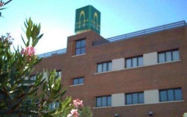 Hotel Puerta Guadalajara вид на фасад
