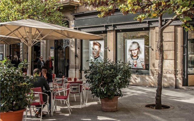 Апартаменты Habitat Apartments Boulevard Барселона вид на фасад