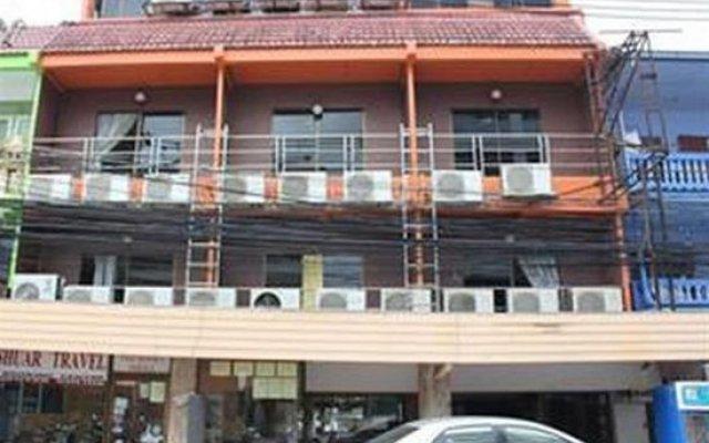 Апартаменты Bri & Enjoy Apartment Паттайя вид на фасад