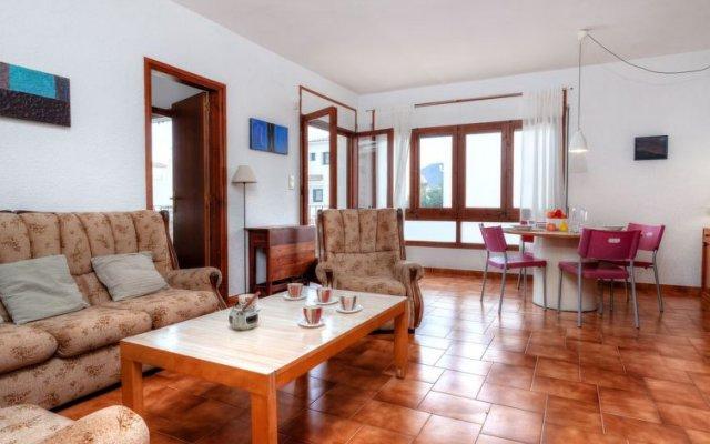 Отель Sant Carles Льянса комната для гостей