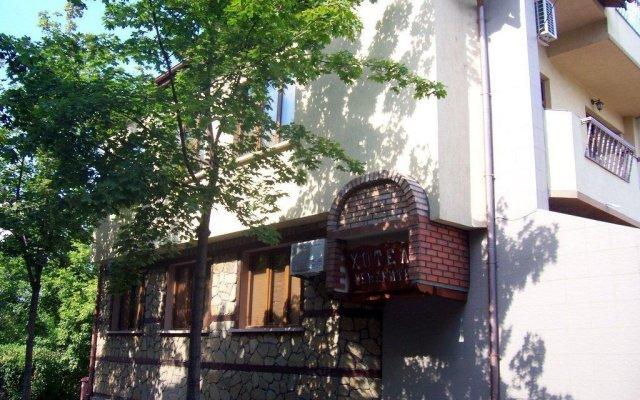 Отель Fenerite Family Hotel Болгария, Тырговиште - отзывы, цены и фото номеров - забронировать отель Fenerite Family Hotel онлайн вид на фасад