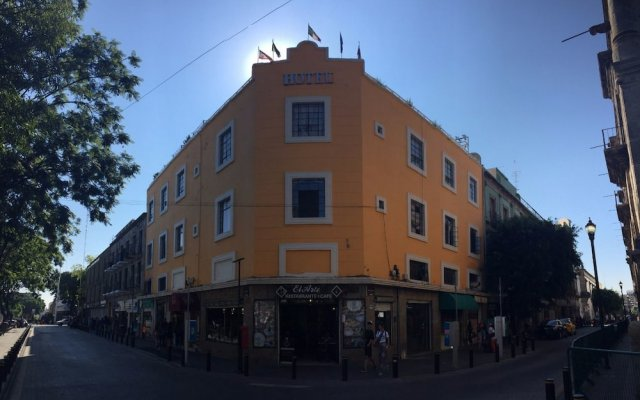 Hotel RC Plaza Liberación вид на фасад