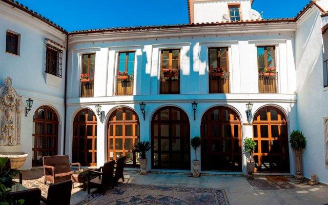 Hotel Abetos del Maestre Escuela вид на фасад