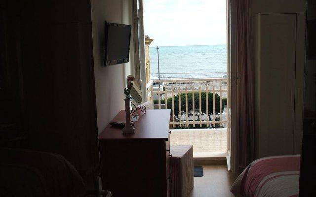 Отель B&B Zi Pasquale Италия, Порто Реканати - отзывы, цены и фото номеров - забронировать отель B&B Zi Pasquale онлайн комната для гостей