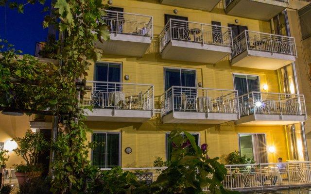 Отель Forum Италия, Помпеи - 1 отзыв об отеле, цены и фото номеров - забронировать отель Forum онлайн вид на фасад
