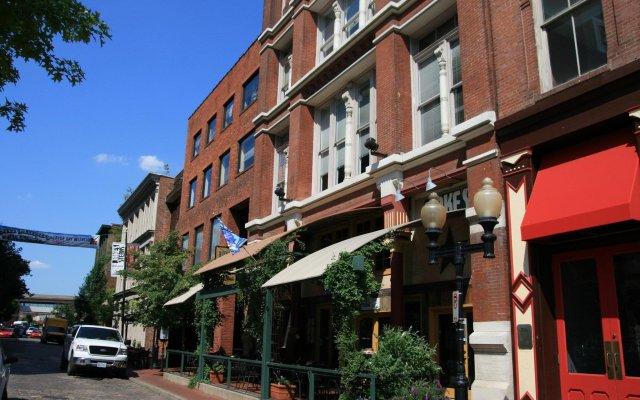 Отель Hampton Inn Gateway Arch Downtown вид на фасад