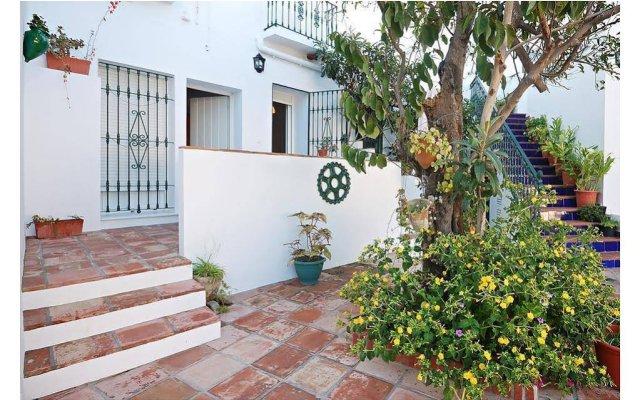 Отель Hostal La Posada Испания, Кониль-де-ла-Фронтера - отзывы, цены и фото номеров - забронировать отель Hostal La Posada онлайн вид на фасад