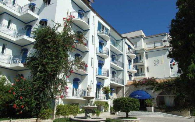 Отель Sant Alphio Garden Hotel & Spa (Giardini Naxos) Италия, Джардини Наксос - 2 отзыва об отеле, цены и фото номеров - забронировать отель Sant Alphio Garden Hotel & Spa (Giardini Naxos) онлайн вид на фасад