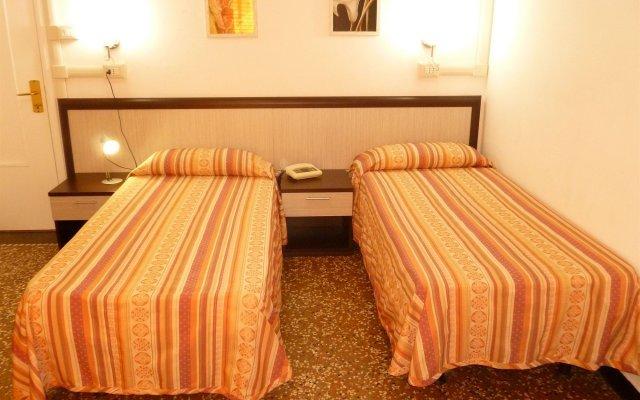 Отель Agnello dOro Genova Италия, Генуя - 6 отзывов об отеле, цены и фото номеров - забронировать отель Agnello dOro Genova онлайн комната для гостей