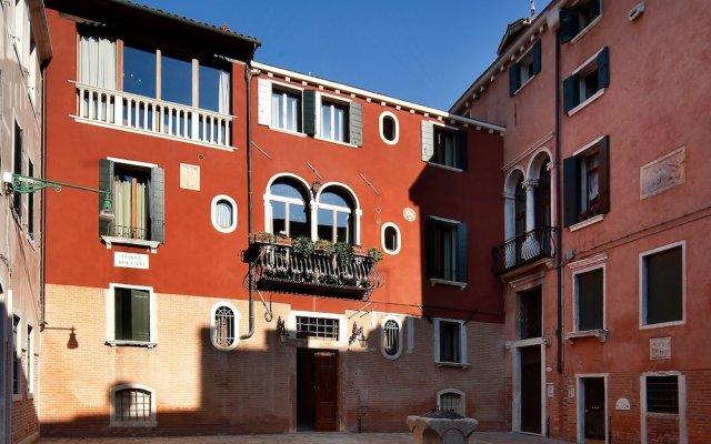 Hotel Bisanzio вид на фасад