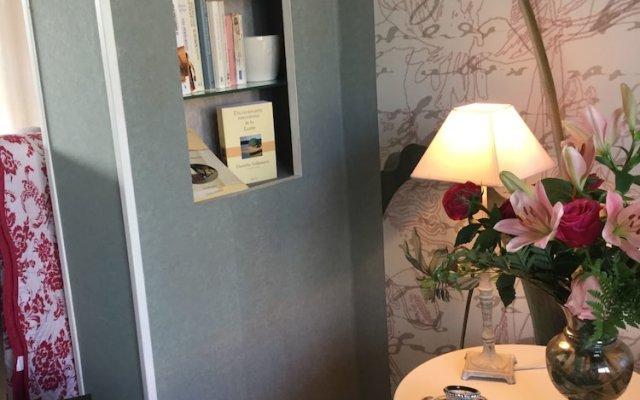 Отель Bleu Agapanthe Chambres d'hotes Франция, Сомюр - отзывы, цены и фото номеров - забронировать отель Bleu Agapanthe Chambres d'hotes онлайн интерьер отеля