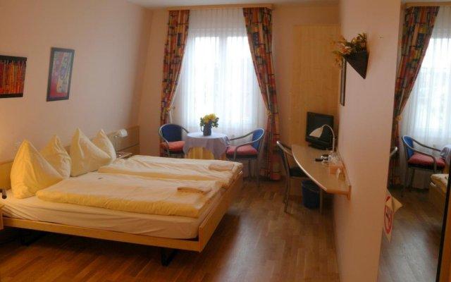 Отель Gasthaus zum Löwen комната для гостей