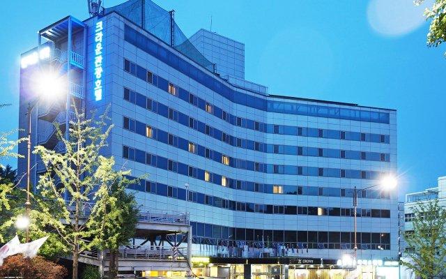 Отель Itaewon Crown hotel Южная Корея, Сеул - отзывы, цены и фото номеров - забронировать отель Itaewon Crown hotel онлайн вид на фасад