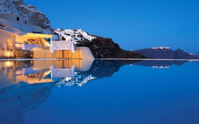 Mystique, a Luxury Collection Hotel, Santorini вид на фасад