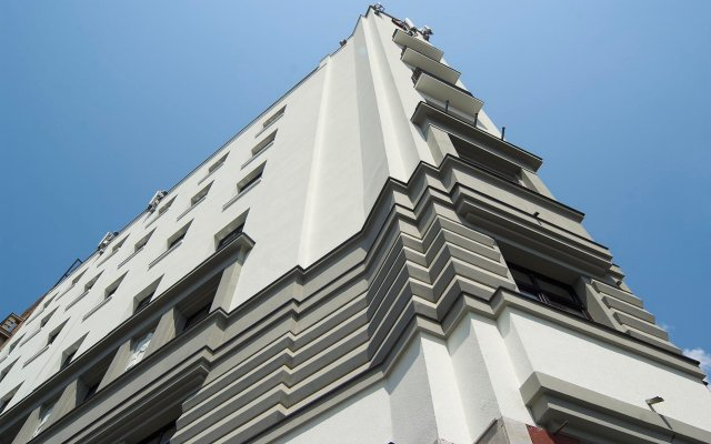 Hotel Prag вид на фасад