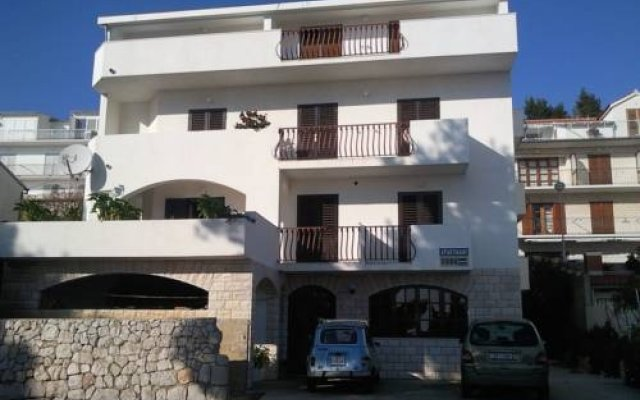 Apartments and rooms Rogosic