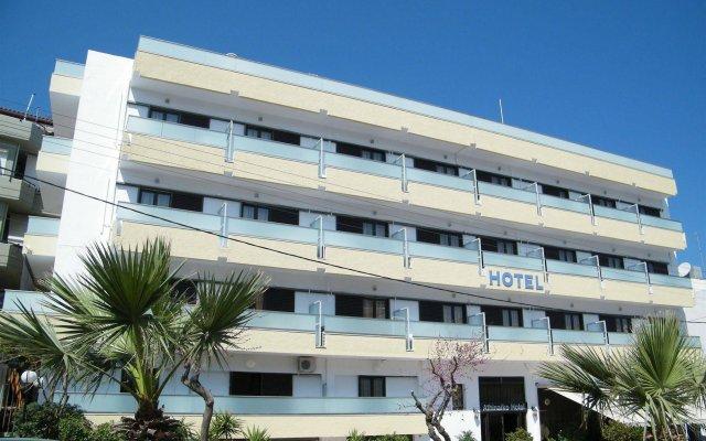 Отель Athinaiko вид на фасад