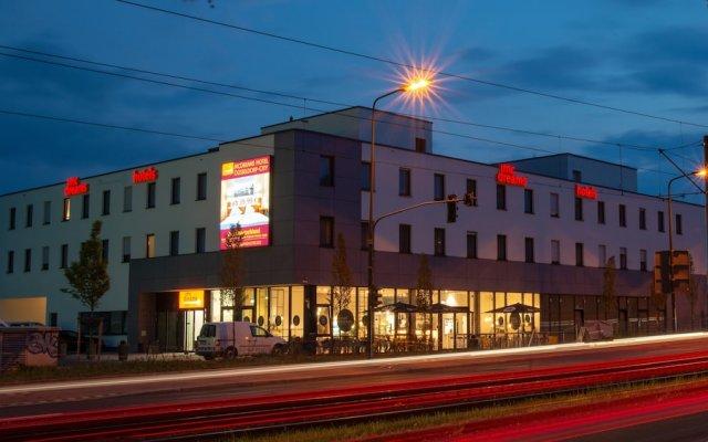 McDreams Hotel Düsseldorf-City вид на фасад