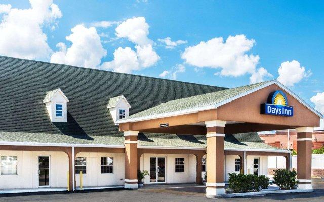 Отель Days Inn by Wyndham Lake City I-75 США, Лейк-Сити - отзывы, цены и фото номеров - забронировать отель Days Inn by Wyndham Lake City I-75 онлайн вид на фасад