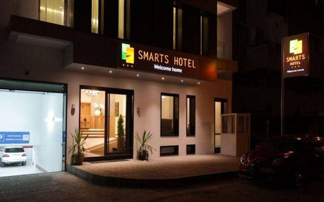 Smarts Hotel вид на фасад