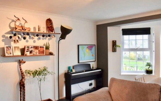 Отель Spacious 2 Bedroom Flat in Brighton комната для гостей