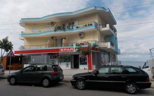 Barracuda Apartments 0