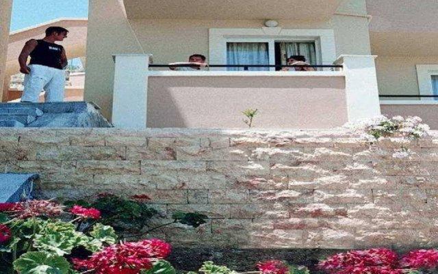 Отель Sofia Mythos Beach Aparthotel Греция, Милопотамос - 1 отзыв об отеле, цены и фото номеров - забронировать отель Sofia Mythos Beach Aparthotel онлайн вид на фасад