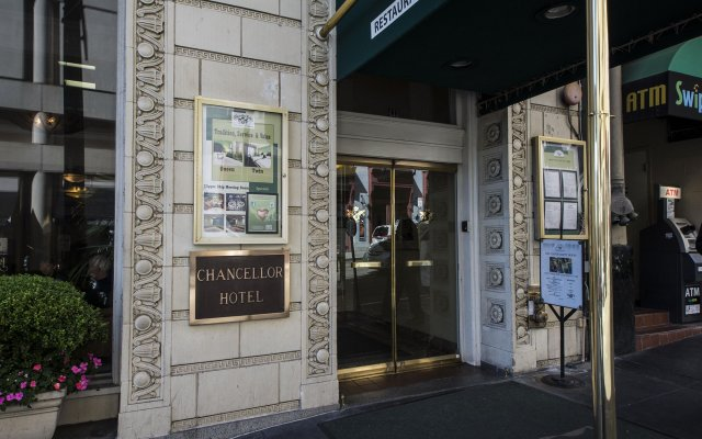 Chancellor Hotel on Union Square вид на фасад
