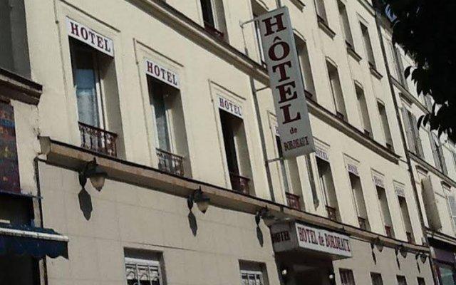Отель Hipotel Paris Bordeaux Ménilmontant вид на фасад