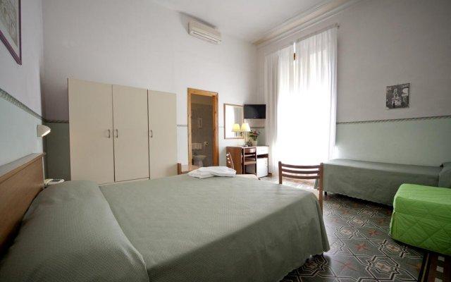 Hotel Serena комната для гостей