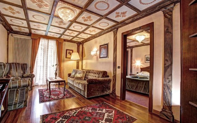 Hotel Regina In San Martino Di Castrozza Italy From 250 Photos Reviews Zenhotels Com