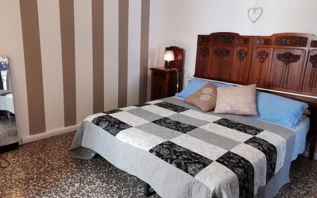 Отель Cortileint14 Италия, Вербания - отзывы, цены и фото номеров - забронировать отель Cortileint14 онлайн комната для гостей