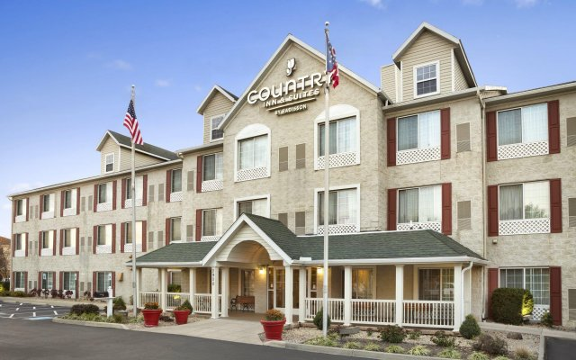 Отель Country Inn & Suites Columbus Airport вид на фасад